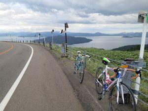 美幌峠から屈斜路湖を見る