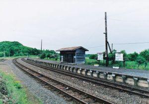 16年前の塘路駅、反対路線の待合室