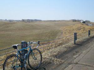 新拓スノーシェルター手前の牧草地