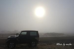 落石は、海霧にて・・・