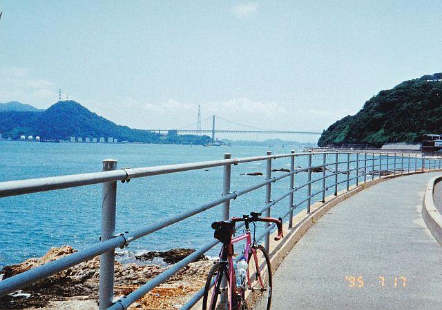 関門海峡大橋とメルクス