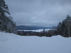 国設 阿○湖畔スキー場、頂上